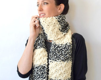 Easy Knit Scarf Pattern, Black and White Knit Scarf Pattern, Chunky Scarf Pattern, Beginner Scarf Pattern, Winter Scarf, Super Bulky Scarf