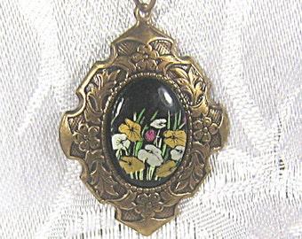 Vintage Style Necklace With Floral Cabochon, Etched Brass Necklace, Pendant Necklace, Black Cabochon, Art Nouveau Flowers, Black, Adjustable