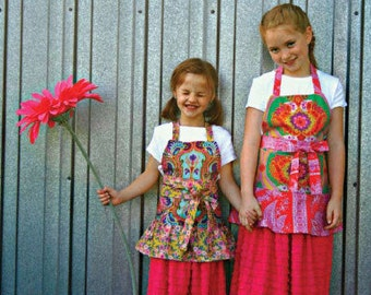little chic sisters apron pattern by marie-madeline studio (M074)