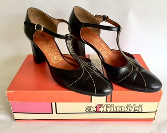 Vintage 1960s 70s Women's Affiniti Black T-Strap Mary Jane Pumps Heels Size 8