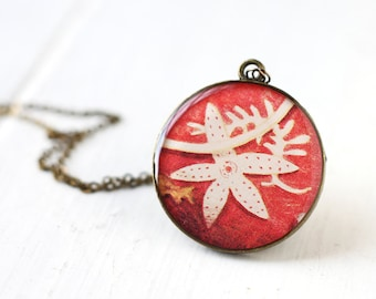 White Starfish on Red Background Nautical Vintage Art Pendant Necklace, Summer Fashion Bright Cherry Red