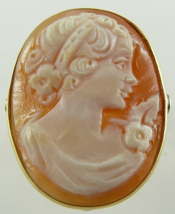 Cameo Carnelian Shell 26mm Lady Ring 14k Yellow Gold