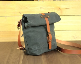 Messenger for bicycle/small messenger bag/messenger bag in waxed canvas/bicycle bag in waxed canvas/Bike Accessories