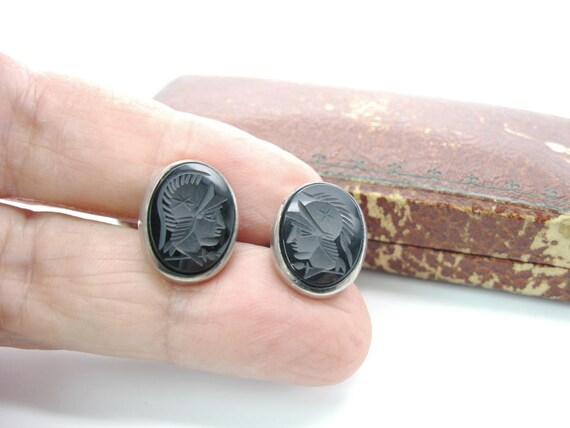 Vintage Carved Oniyx Roman Soldier Mens Cuff Links