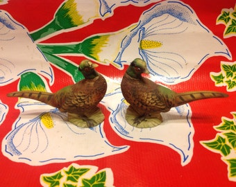 Vintage hand painted pheasant salt and pepper shakers- Japan