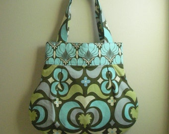 Pleated Bell Purse in Amy Butler Water Lotus