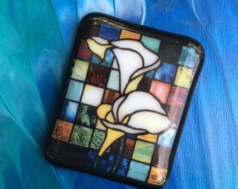Calla Lily Fused Glass Cabochon