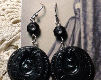 Victorian mourning inspired horse shoe earrings