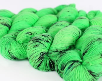 KERMIT 463 yards on 'Posh' Sock Yarn/ 4 ply merino, kettle dyed speckled yarn