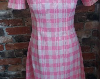 1970s at it's best! Pink/White check dress. Approximate size 10-12 UK