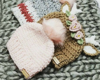 Many crochet cute winter hats to  choose