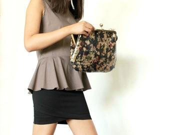 Floral clutch bag ,Large clutch wristlet , Vintage clutch , Floral clutch purse , Vegan clutch wallet , Evening clutch