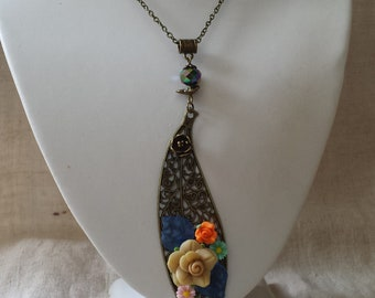 """multicolor floral leaf"" necklace"