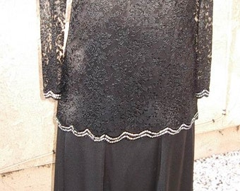 40% Off Sale! 2 Pc.Evening Dinner Gown Rhinestone Trim Lace Top /Long Low Flare Matte Jersey Skirt  Sze 8/10  #715  Gowns