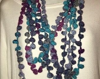 Round neck Multiwire Blue Bells