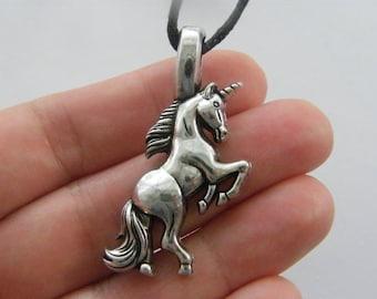 1 Unicorn charm antique silver tone A523