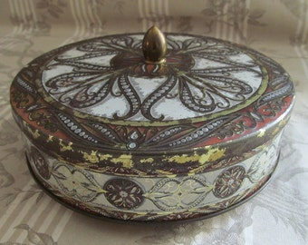 Round French Vintage Biscuit Tin with Pretty Decoration