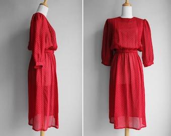 VENTE Vintage jour de mousseline de soie rouge rubis robe rouge noir à manches longues Blousy Midi jupe - taille petit ou moyen S M
