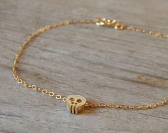 Tiny skull bracelet, Small skull bracelet, Skull bracelet, Chain skull bracelet, Gold skull on gold filled chain