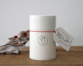 White Wolf Tea Canister / Tea Tin / Caddy - Pear Delicate Oolong Tea