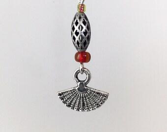 Silver wire olive Pearl fan earrings