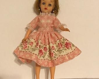 """Retro pink dress for 10""""Revlon doll."""