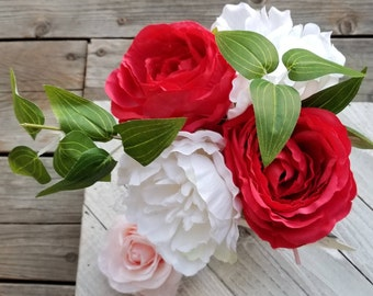 Red Rose and White Flower Pen Bouquet in Ball Jar