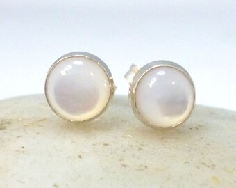 Small White Mother Of Pearl Stud Earrings .. 6MM Round Studs .. White MOP Studs MOP Earrings .. Silver Studs