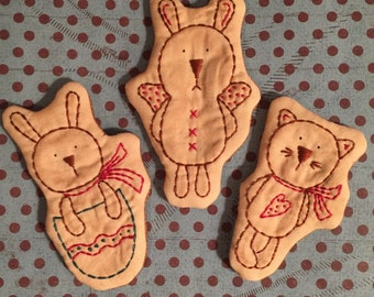 Set Of 3 Primitive Stitchery Ornies Spring Bunnies And Kitty