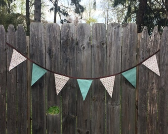 Tiny Flowers Pennant Banner