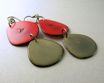 Red and Gray Tagua Nut Eco Friendly Earrings with Free USA Shipping #taguanut #ecofriendlyjewelry