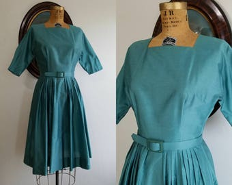Vintage 1950s New Look dolman sleeve dress   50s dusty blue full skirt