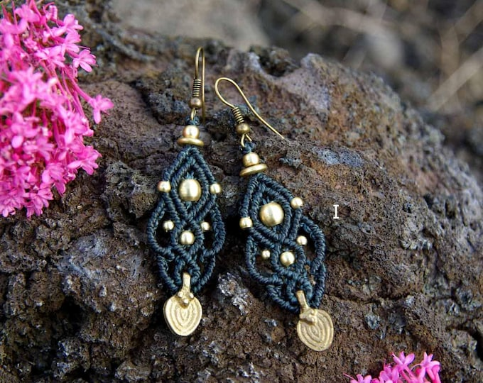 Macramé Earrings Mod. Maitane, 10 colors , brass earrings, tribal earrings, fairy jewelry, elegant macrame, nickel free, fairy earrings