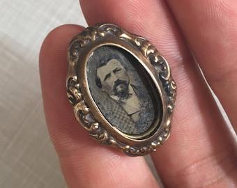 Antique photo Pendant or Brooch w original photo for repair repurpose or assemblage