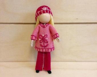 Bella - Miniature doll - Bendy doll - Faceless doll - Dollhouse doll - Pocket doll - Waldorf doll - Montessori toy