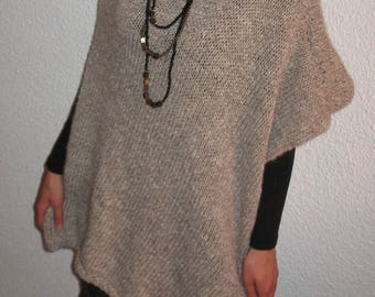 Handknit wool poncho knit,Hand Knit woman poncho,Beige poncho,Fashion poncho,Poncho for everyday,Soft poncho,Knit for winter/auntumn