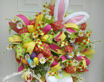 Easter wreathes, Easter bunny wreath, Spring wreath, Spring flower wreath, Easter bunny door hanger, Easter basket bunny wreath
