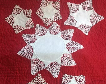 """Lot of 7 DOILIES-Three Sizes-All Same Pattern-Largest 12"""", Smallest 6"""""""