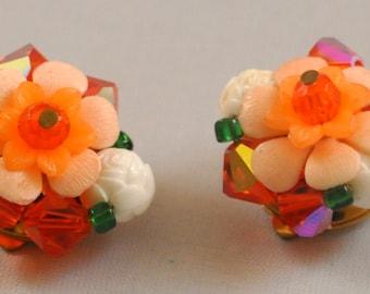 Vintage Peach Aurora Borealis Earrings - Enchanting Beaded Flowers