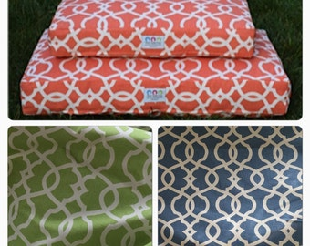 Dog Bed * Green *  Medium Large * Beautiful Traditional Fabric * Personalize with One or More Names * Modern Lattice Design * TSD
