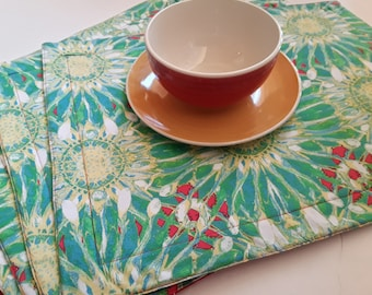 New Modern Cloth Fabric placemats // Spring Decor Placemat Sets // Quilted Placemats // Green Cotton Fabric Placemats // Gift For Mom