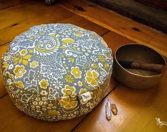 Pouf Zafu Meditation cushion Gray with mustard flowers organic Buckwheat pillow yoga equipment handmade by Creations Mariposa