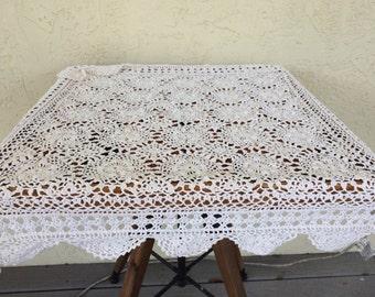 Pretty Crochet Flower Medallion Tablecloth
