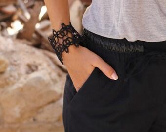 Black lace tatted bracelet/Lace bracelet/tatting lace/statement bracelet/bohemian bracelet/cuff/steampunk bracelet