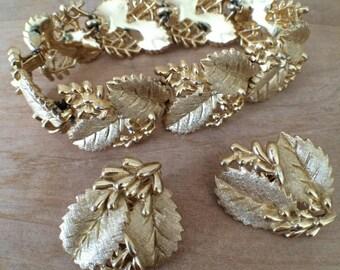 Crown Trifari Gold Tone Bracelet and Clip Earrings - vintage jewelry set