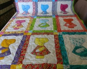 Handmade Appliqued Pieced  Sunbonnet Sue Dutch Girl Baby Crib Lap Throw Quilt  Blanket Made in Arkansas Ozarks