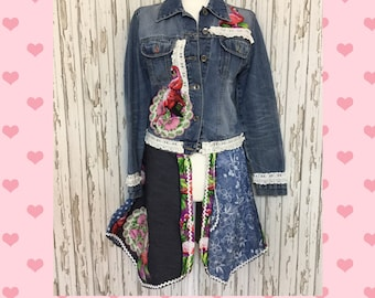 UNIQUE !! NEW Flamingo and Lace Denim Jacket, Denim coat, Vintage Denim Jacket, Festival Denim Jacket, Denim Coat, Patchwork, Summer, Spring