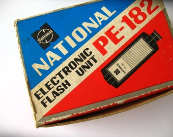 Vintage National electronic flash unit, model PE-182, made in Japan