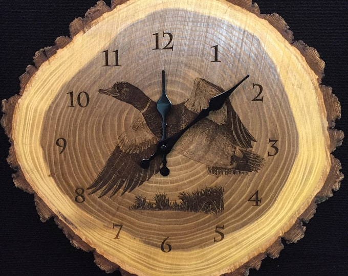Engraved Wood Clock Mallard duck Art Duck Clock Waterfowl Wildlife art Father's Day gift for Dad men Lodge Cabin Art Man cave duck hunting