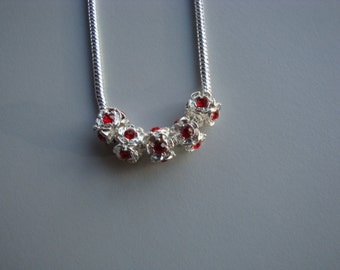 Red crystal flower necklace